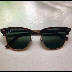 Polarized Ray Ban Clubmaster sunglasses
